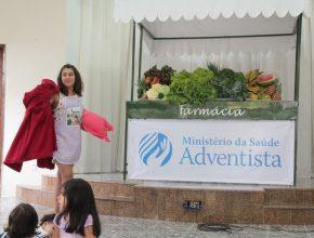 As crianças apresentaram encenações de forma lúdica, com mensagens de saúde