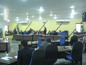 Durante sessão, vereadores elogiaram a Igreja Adventista por realizar tantos projetos em prol da comunidade