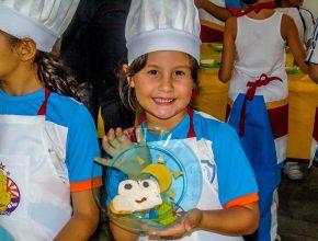 A garotada também recebeu orientações de como fazer um nutritivo e delicioso lanche