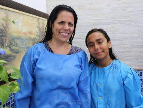 Luciana Nascimento e Quezia Carvalho foram batizadas no mesmo dia 10 de setembro.