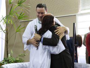 Por intermédio do Colégio Adventista de Santa Maria, a família toda foi batizada.