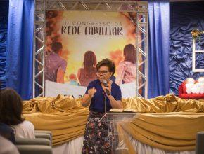 Doutora Raquel Fonseca, master coaching, palestrou sobre o valor dos vínculos familiares para a sociedade.