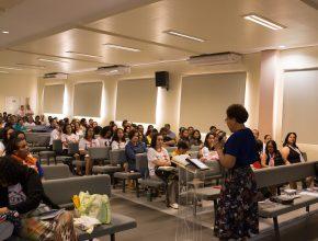 O Congresso teve como foco principal o vínculo familiar e o valor da família para a sociedade e reuniu pais de mais de 60 clubes de aventureiros no auditório do Colégio Adventista Jardim dos Estados (CAJE).