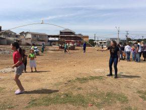 Além das doações, os voluntários dedicaram tempo para brincarem com as crianças.