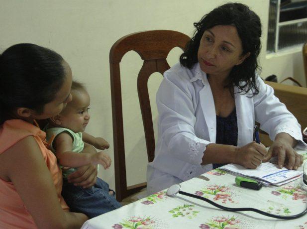 A pediatra optou por atender necessitados mesmo após um dia de intensas atividades