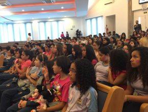 "Alunos do Ensino Fundamental participam ativamente do ""Outubro Rosa"""