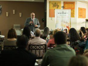 Durante o dia de treinamento os líderes aprenderam sobre estratégia e o que podem fazer para colaborar com o crescimento dos P.G.'s.