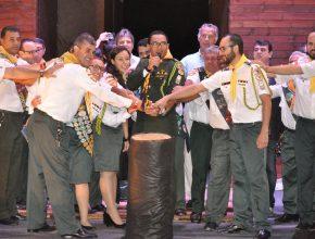 Momento da abertura do Campori com a liderança do evento