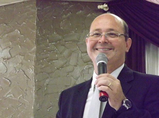 Atualmente, o pastor Mário Roberto lidera o distrito de Sítio Cercado.