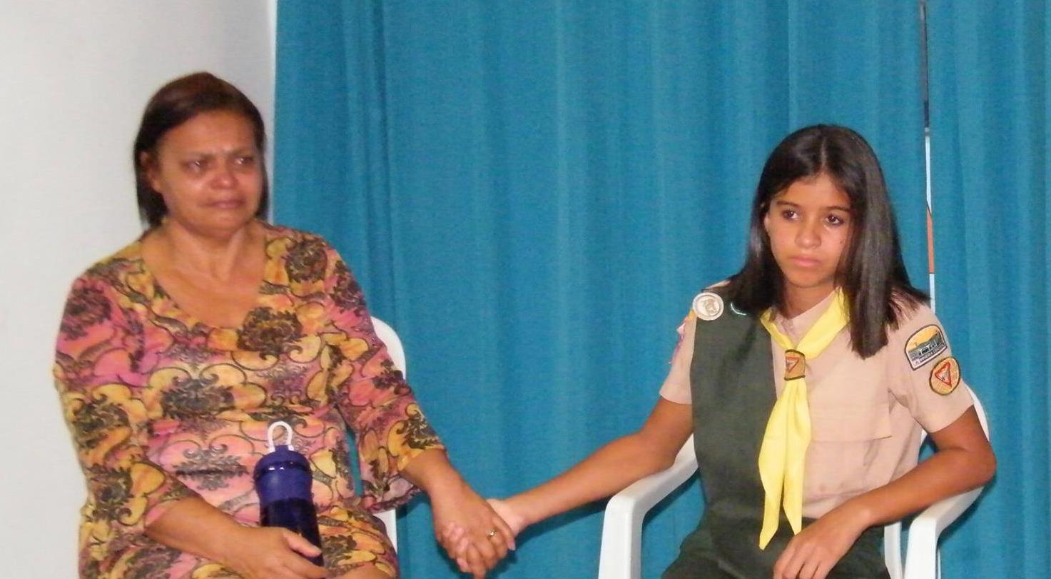 Mechas serão utilizadas na confecção de peruca para Vanda Ferreira (esquerda)