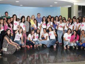 Meninas visitam a Prefeitura de Rio Preto. Foto: Facebook Prefeitura