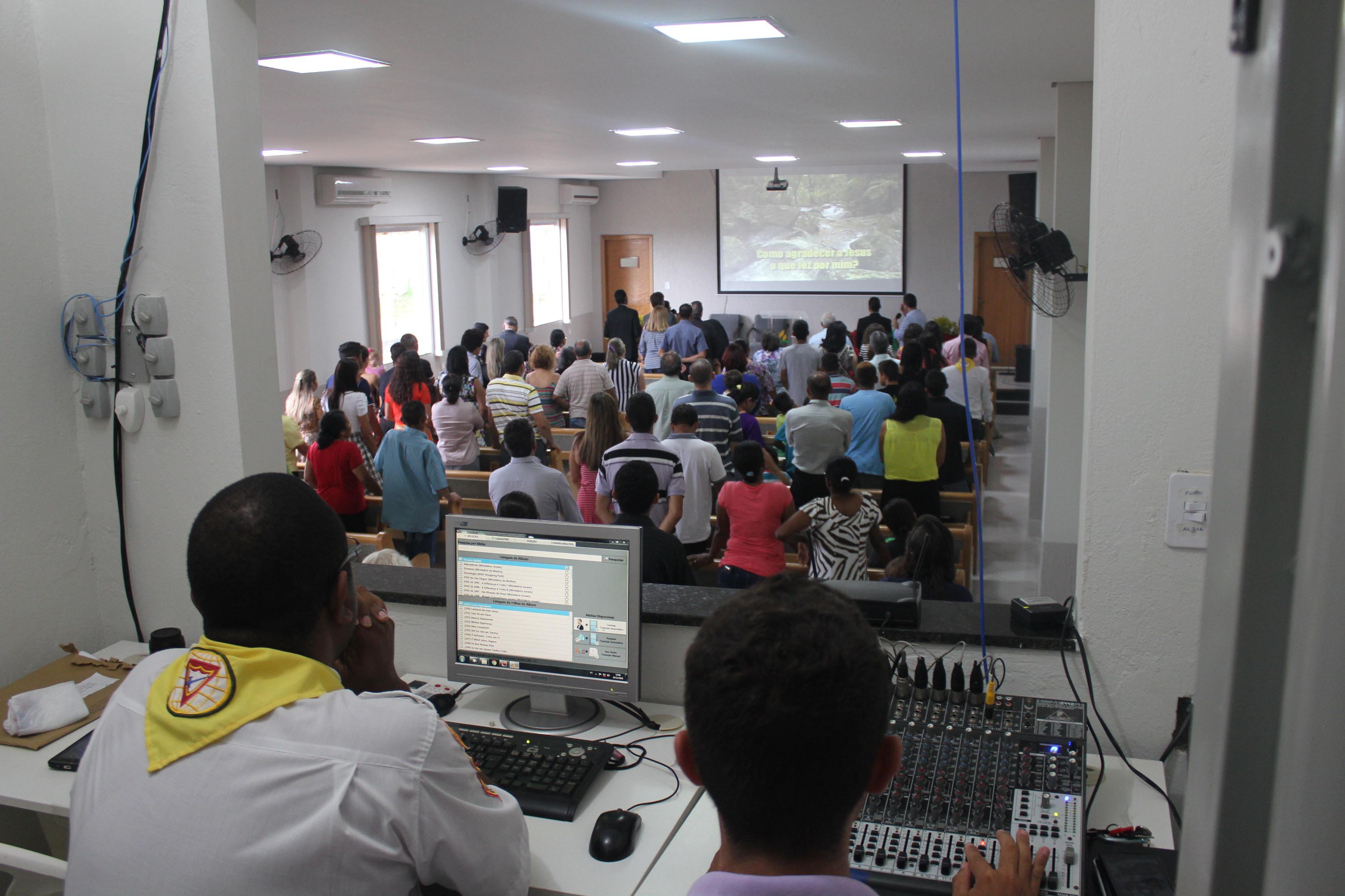 Templo inaugurado no sábado (10) tem capacidade para acomodar 140 pessoas (Foto: Tiago Rodrigues)