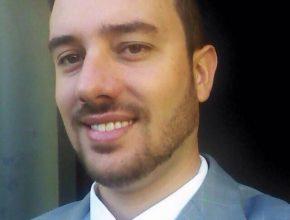 O professor Carlos Cesar Figueiredo Junior assume hoje a direção da escola