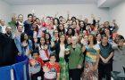 Jovens desenvolvem projetos sociais para a comunidade nas férias