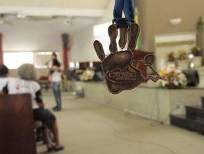 Os Calebes foram premiados com medalhas no final da cerimônia.