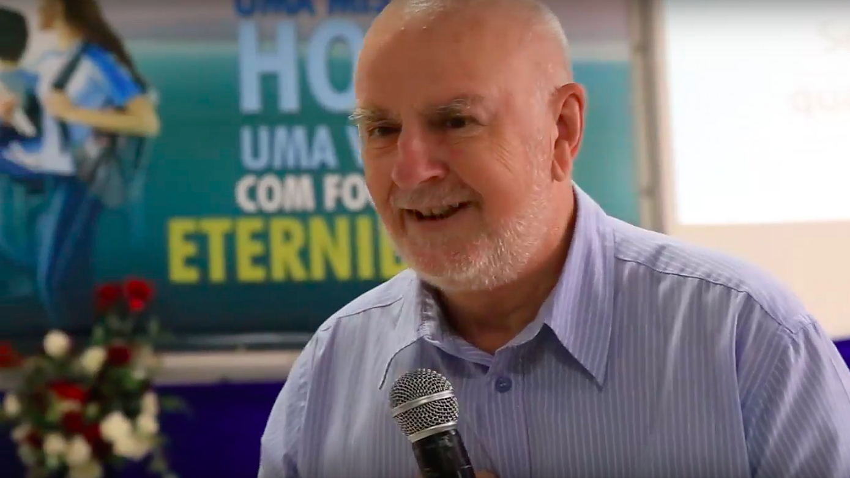 Profº Dr. Renato Gross é um dos maiores conhecedores da história da Educação Adventista, em língua portuguesa.