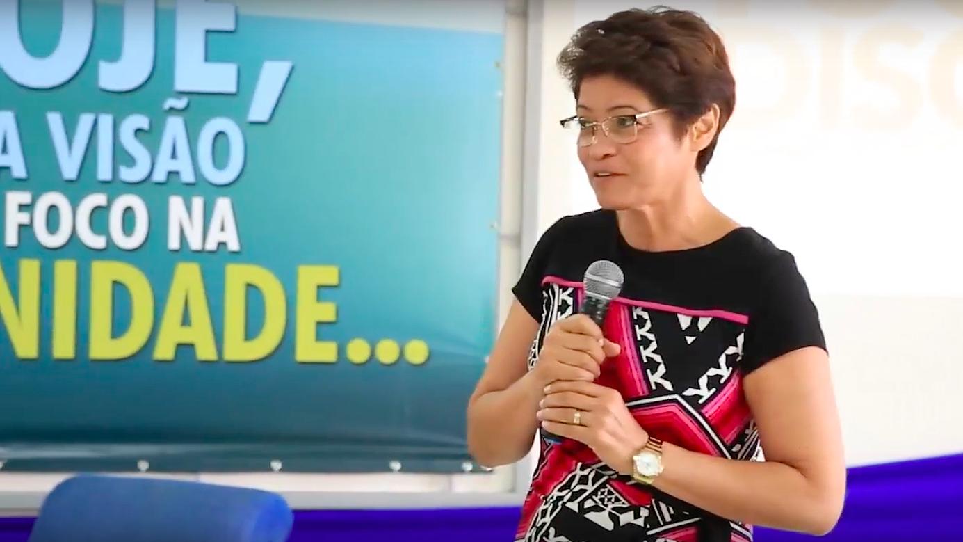 Profª Msc. Thalita da Silva afirma que não há diferença entre fé e ciência.