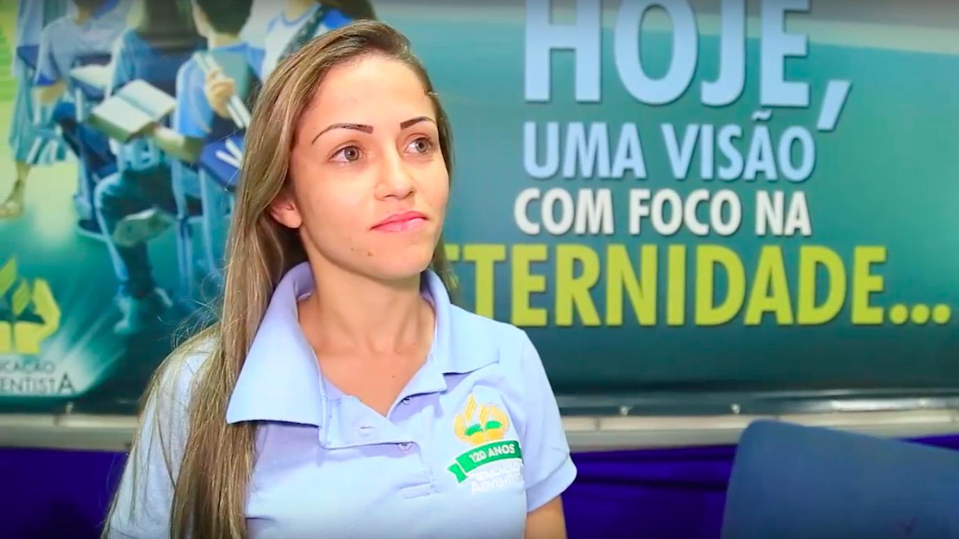 A professora Fernanda conta que aprendeu muita coisa nova.