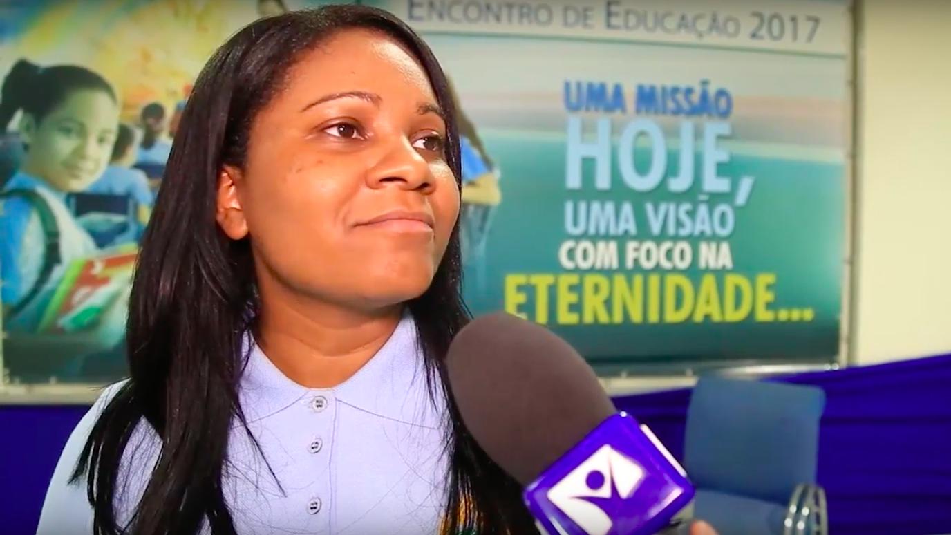 """""""Educação Adventista é uma educação 'redentiva'"""", afirma Adriana Lopes coordenadora pedagógica da ASPa."""