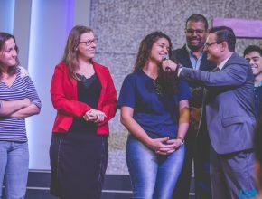 O departamental Jovem da USB entrevistas missionários do internato