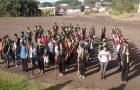 Desbravadores arrecadam 1.500 peças de roupa e 400 Kg de alimentos em Maringá