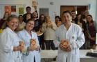 Funcionários da UPA e Corpo de Bombeiros recebem livro Em Busca de Esperança