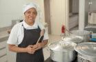 Cozinheira utiliza tempero para salvar vidas