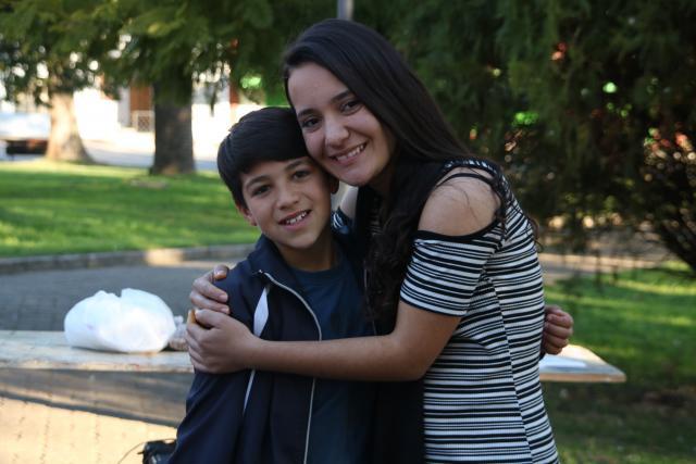 As ações firmaram amizades que perduram até hoje. Depois de uma tarde atividades voluntários se despendem das crianças uruguaias