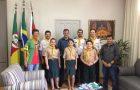 Desbravadores de Santo Ângelo visitam prefeitura e discutem parceria em favor de campori regional