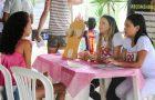 Voluntários realizam feira de saúde para mulheres em situação de rua
