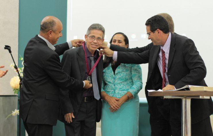 Pastor Robson Laercio se despede numa linda cerimônia