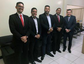 (esq. p/ dir.) O advogado Alex Silveira, pastor Alex Nascimento, vereador Anderson Mendes, pastor Donato Azevedo e professor Henilson Erthal.