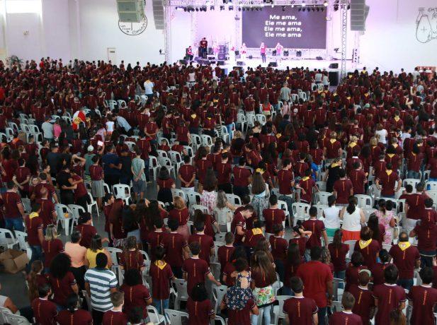 Encontro com mais de 2.600 pessoas inicia oitava edição da Missão Calebe em SC