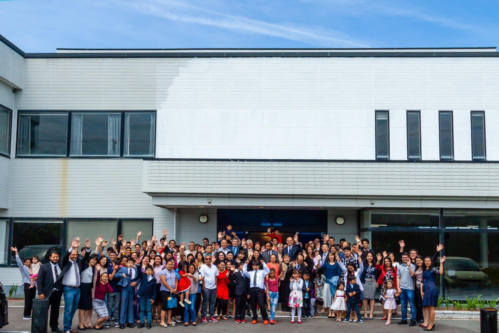 Com 60 membros, adventistas trabalham para alcançar mais pessoas (Foto: Andrew McChesney / Adventist Mission)