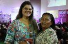 Amizade leva costureira ao batismo