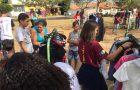 Jovens dedicam as férias para trabalhos comunitários