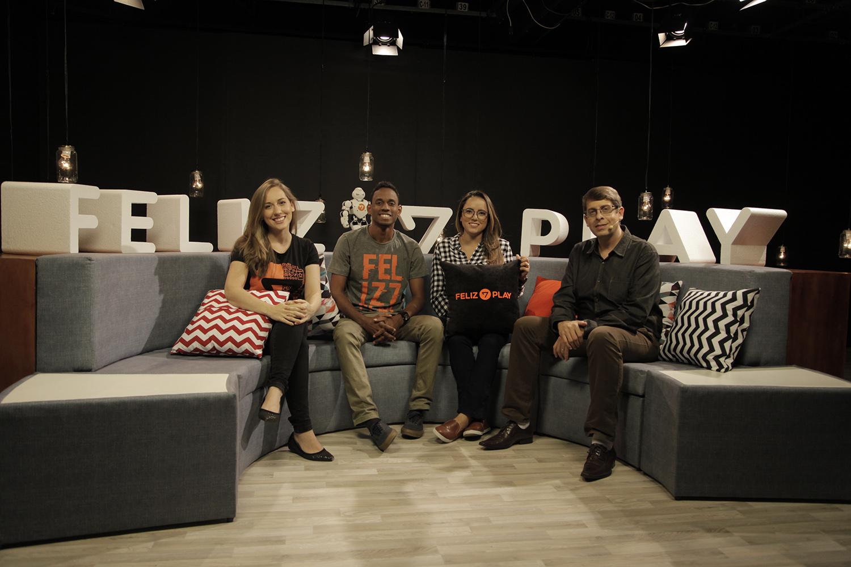Programa contou com a participação de youtubers, protagonistas das webséries e reflexões apresentadas pelo pastor Rafael Rossi (direita) - (Foto: Gustavo Leighton)