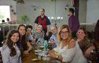 Fiéis convidam afastados da fé para almoço em restaurante