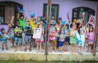Família arrecada doações e transforma Natal de crianças carentes