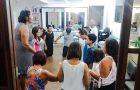 Empresária abre salão de beleza para orar com adventistas
