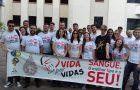 Jovens se unem e ajudam bater meta de banco de sangue em Joaçaba-SC