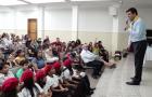 Crianças participam de curso de oratória