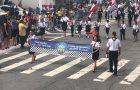 Desfile cívico reúne mil aventureiros e desbravadores no Dia do Trabalhador