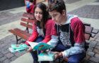 Impacto Esperança: Alunos vão às ruas para entrega de livros
