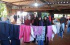 Adolescentes montam varal solidário para aquecer pessoas carentes no interior gaúcho