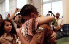 Jovem abre mão de olimpíada nacional para ser batizado