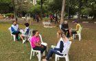 Jovens universitários dedicam final de semana para praticar ações de compaixão
