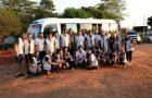 Servidores da Igreja Adventista reformam escola e igreja no Paraguai