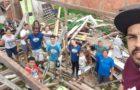 Jovens iniciam construção de duas casas para famílias carentes em Itajaí