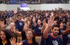Jovens celebram as bênçãos da Missão Calebe 2020 no norte do PR